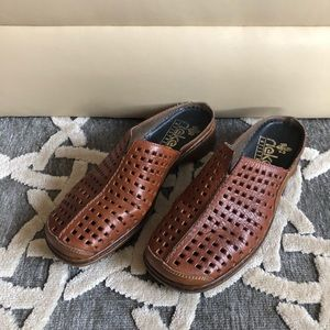SUPER CUTE HIPSTER STYLE LOAFERS!